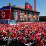 Coréia do Norte: parada comemorativa dos 70 de fundação da RPDC