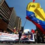 Presidente Nicolás Maduro anuncia rompimento de relações diplomáticas e políticas com a Colombia