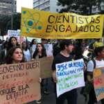 Pesquisadores vão às ruas domingo em defesa da ciência e da educação