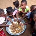 Alguns alimentos baratos que podem ajudar crianças desnutridas a se recuperarem mais rapidamente